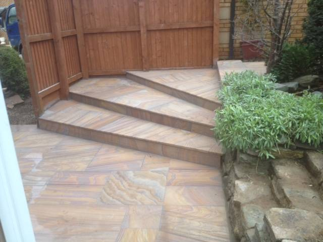 Textured patio slabed steps in rear garden 2