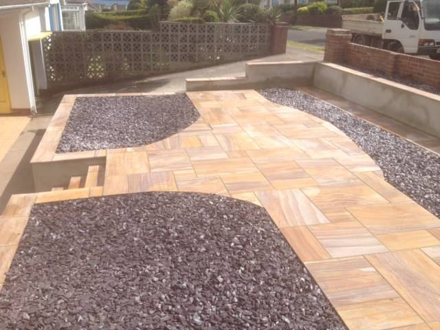Gravel and designer patio rear garden 2