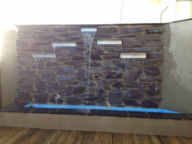 Water feature wall