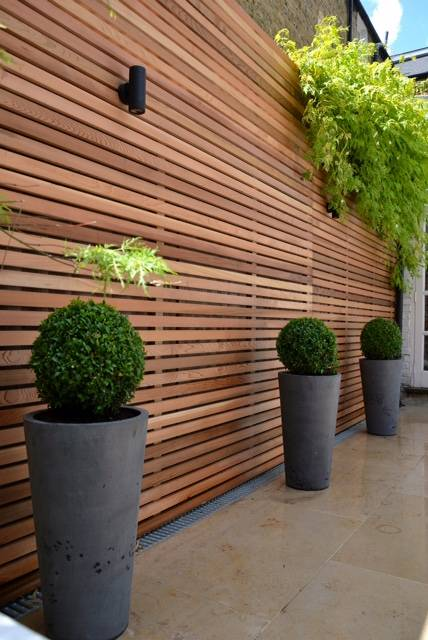Bespoke fencing with down lighting